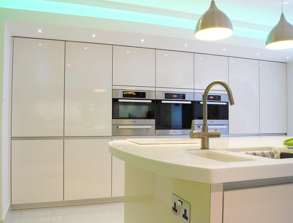 atmos glass beverley kitchen